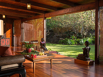 Lobby at Holualoa Inn