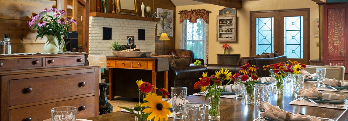 Kansas Bed and Breakfast - Breakfast Table