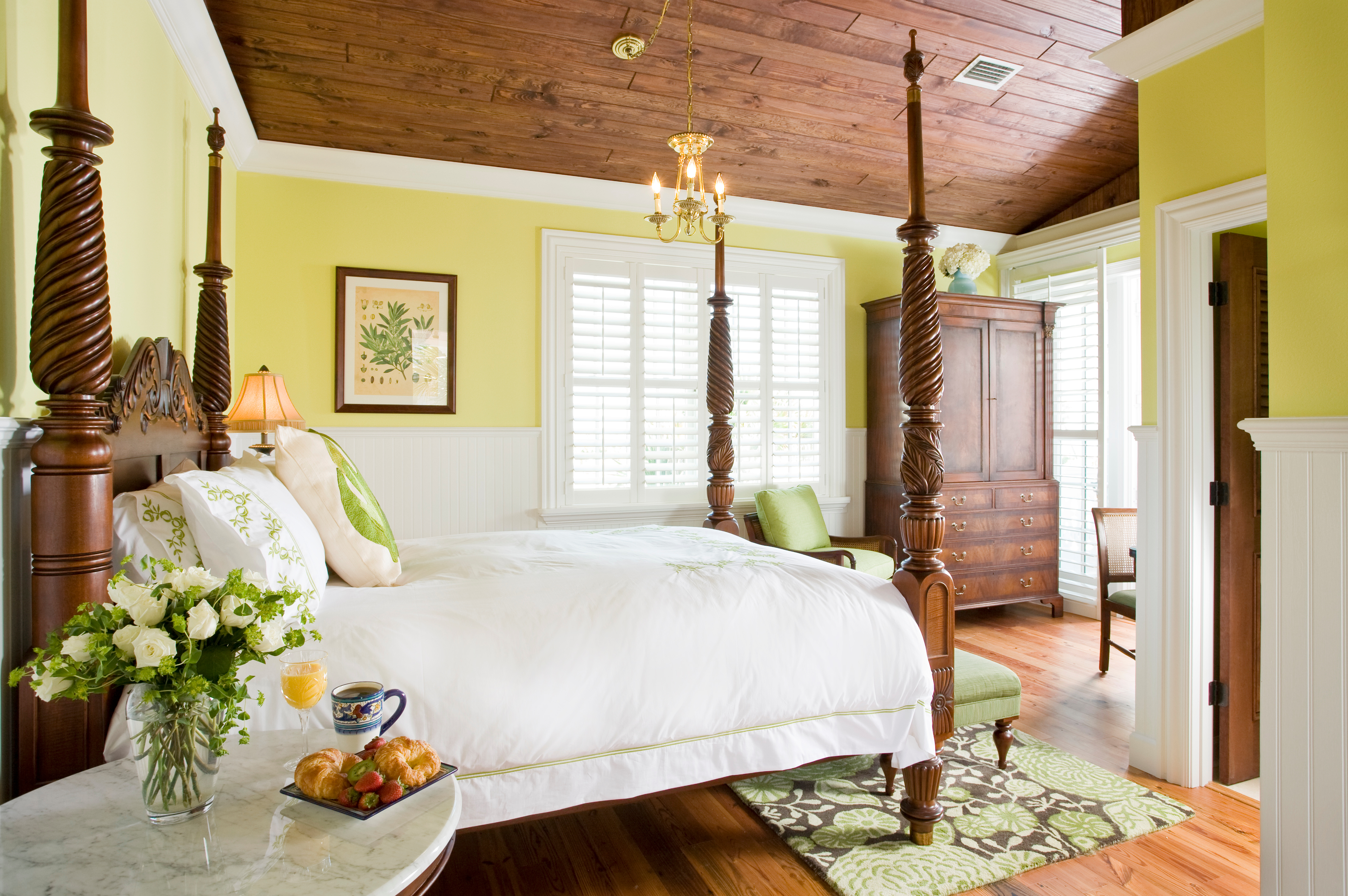 Sunny guest room at Port d'Hiver bed and breakfast in Melbourne Beach, Florida