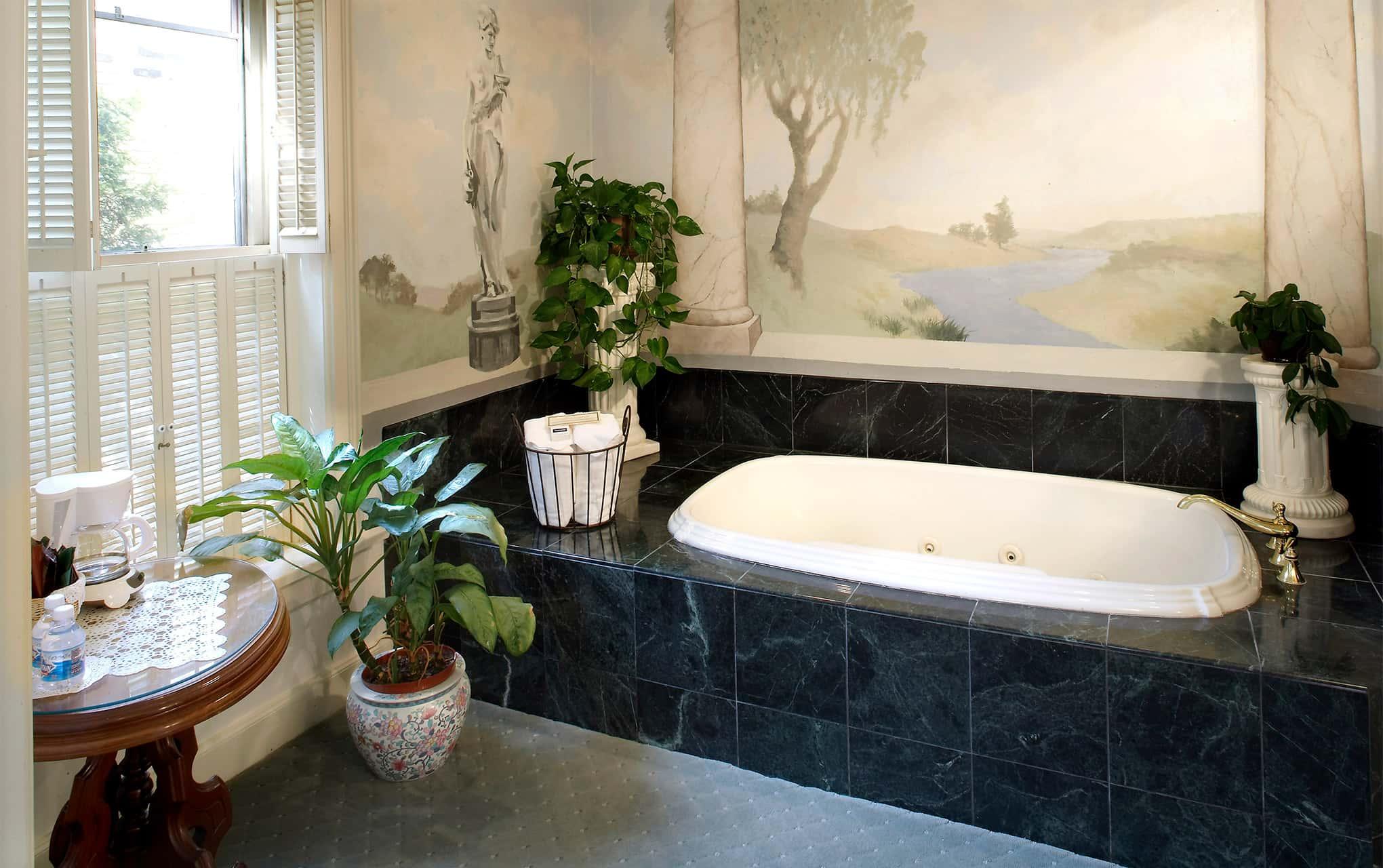 A large soaking tub at the Washington House Inn