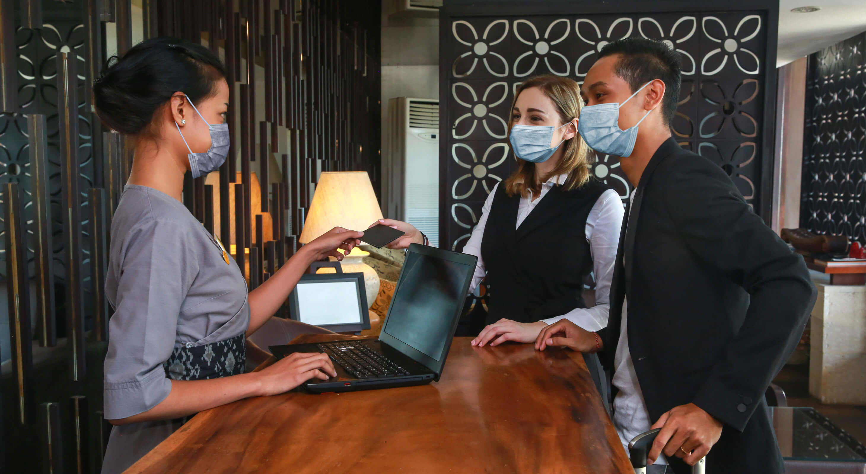 hotel practicing safe coronavirus practices