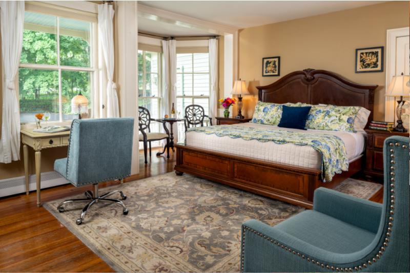 Landmark Inn Cooperstown - Beautiful Room