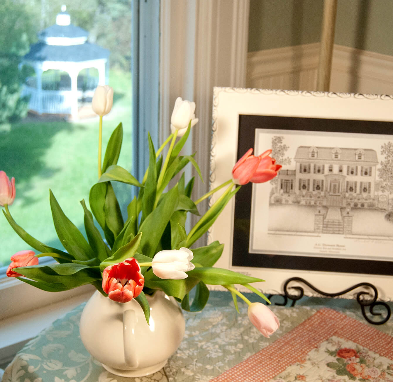 Tulips and sketch of Duluth bed and breakfast