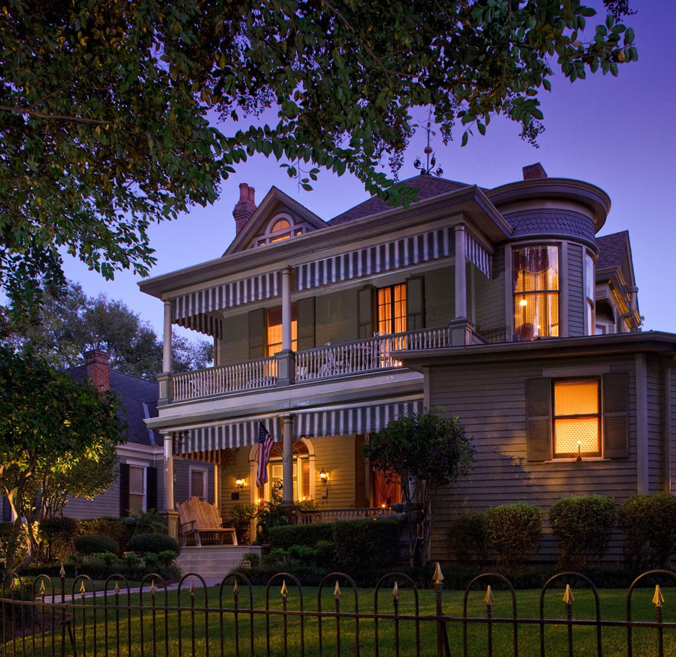 Devereaux Shields House at dusk
