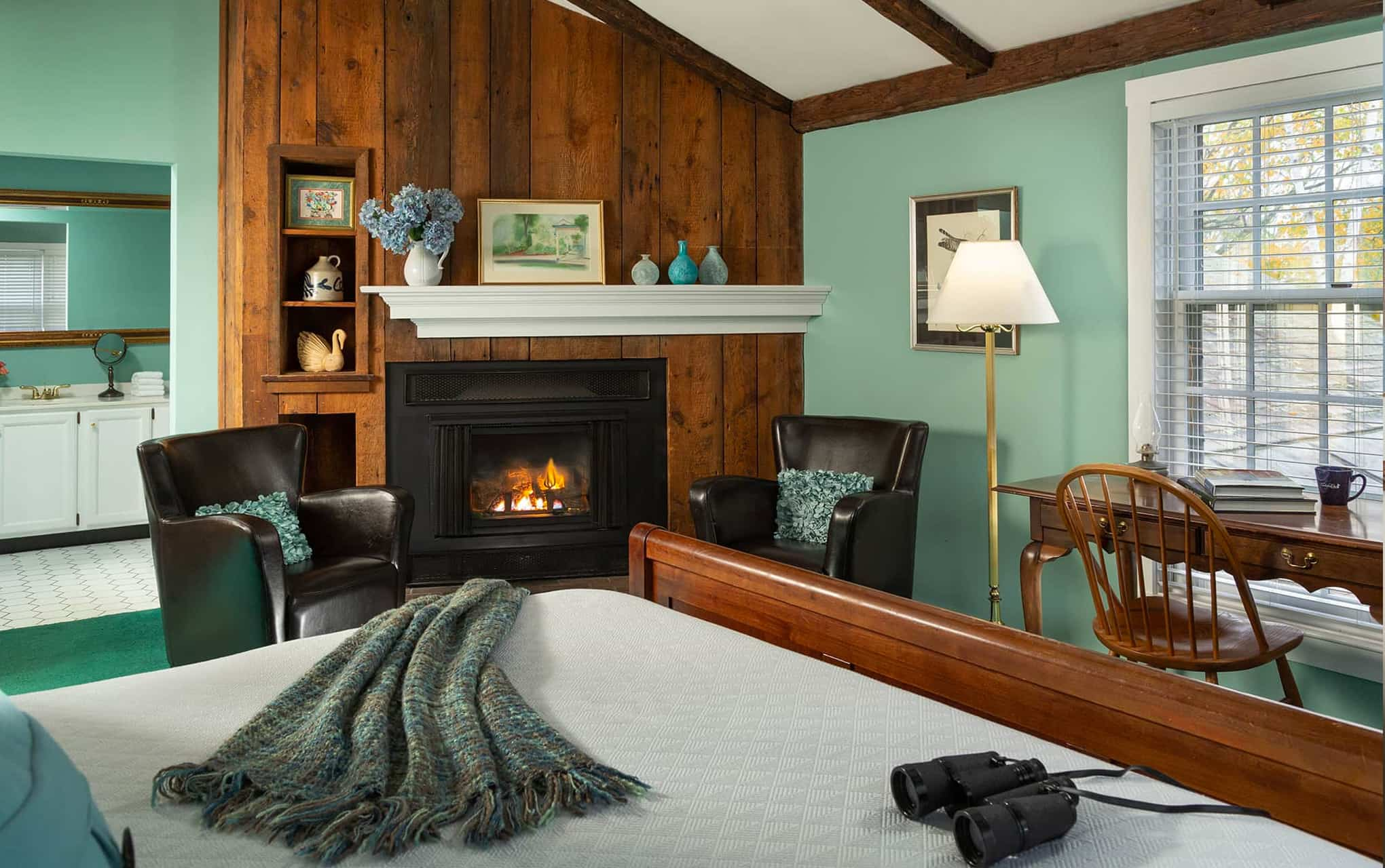 cozy NH bed and breakfast fireplace guest room