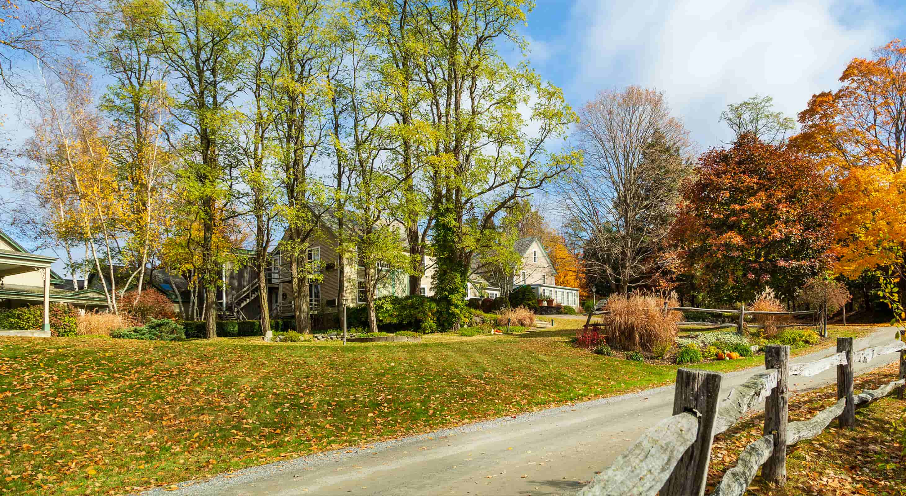 Chesterfield Inn with fall foliage